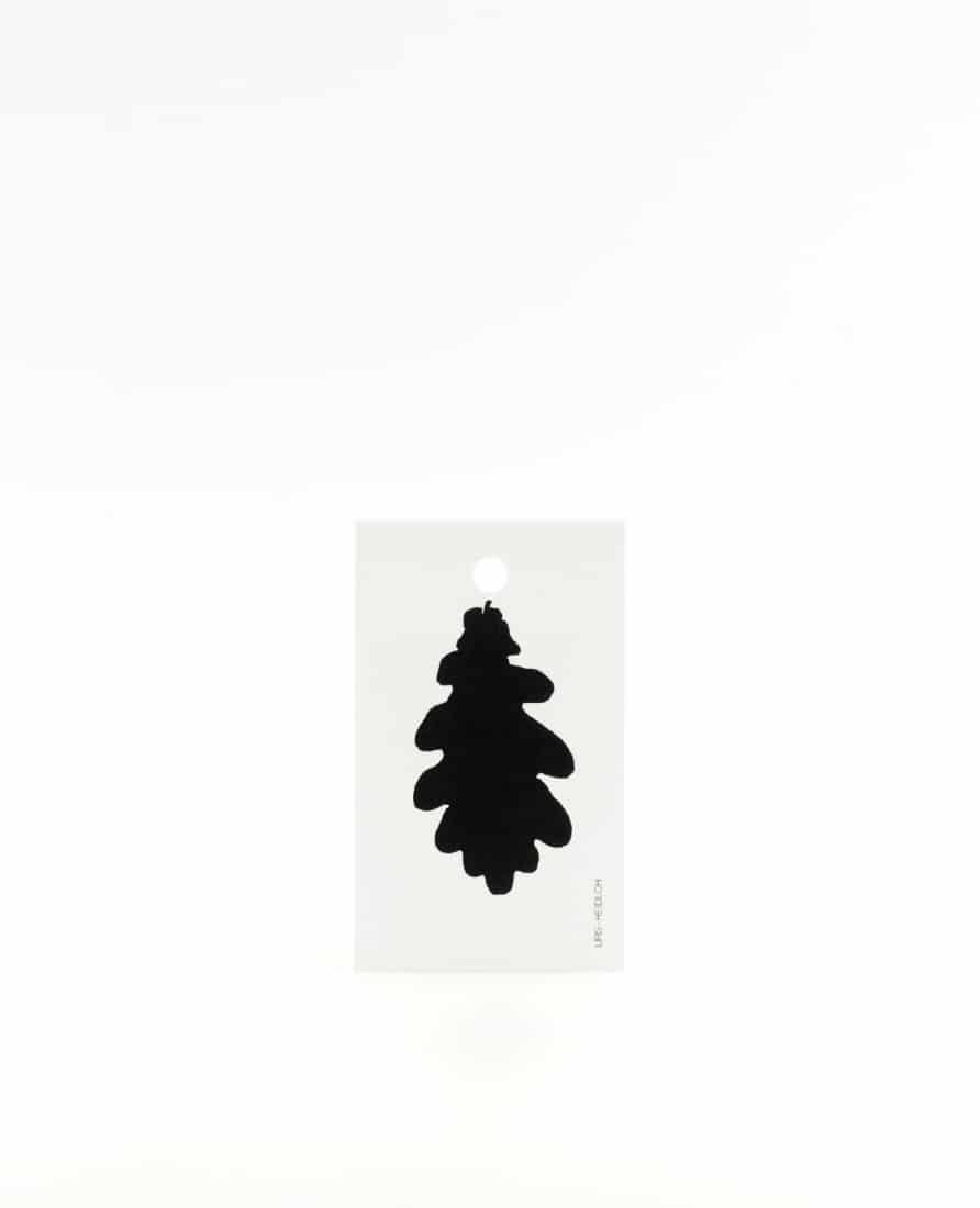 Anhänger für Geschenke, Illustration Silhouette Eichenblatt in schwarz
